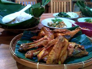 Nikmatnya Ayam Goreng Kartini. Sajian Ayam Goreng Khas Solo di Masa Lalu