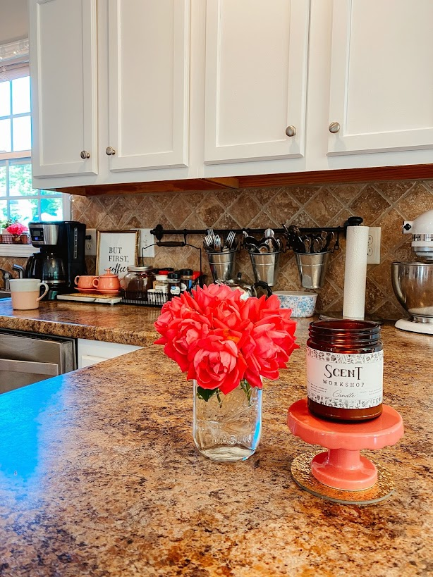 kitchen refresh, painting kitchen cabinets, diy, budget friendly diy, how to paint cabinets