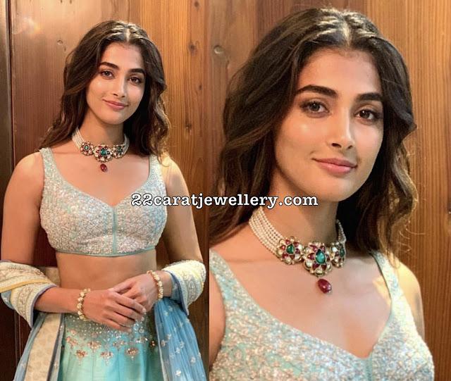 Pooja Hegde in Pearl Kundan Choker