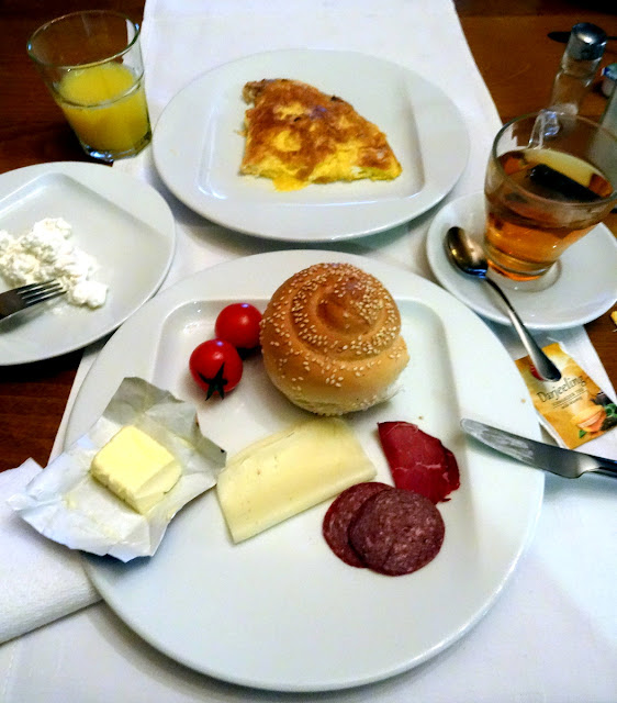 Breakfast at Heartland City B&B in Tuzla