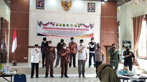 Penandatanganan Pakta Integritas Penanganan dan Pencegahan Covid-19 di Bukittinggi