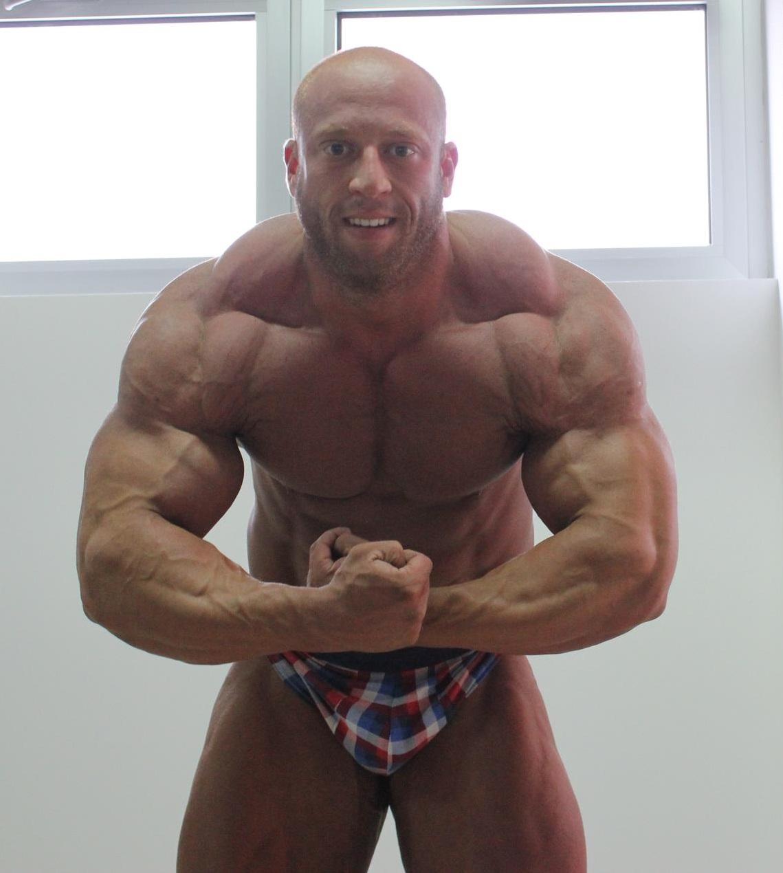 Muscle Lover: Petar Klancir