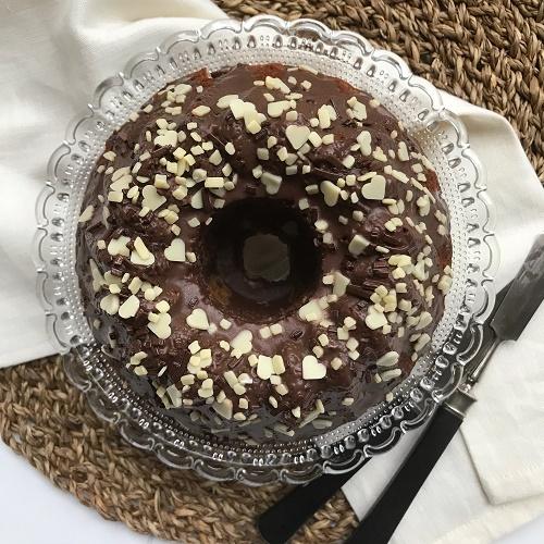 kleiner Schokoladenkrokant-Guglhupf mit Eierlikör [16 cm]