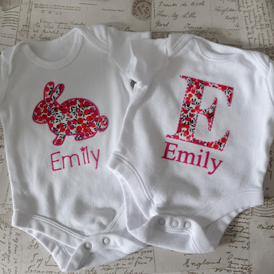 No Sew Fabric Applique Onesies with Flock HTV Edging