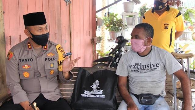 Kapolres Bantu Penyandang Cacat di Nisam