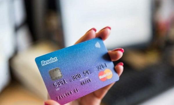 شركة Revolut تطلق نوع جديد من البطاقات الافتراضية