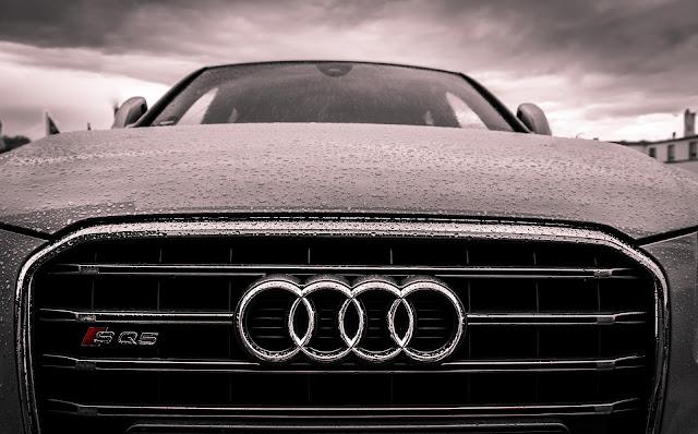 سيارة أودي تحت المطر 2020