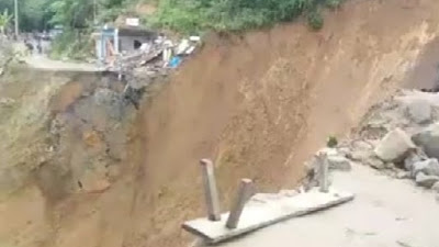 Akibat Tanah Longsor, Akses Jalan  Palopo-Toraja Terputus