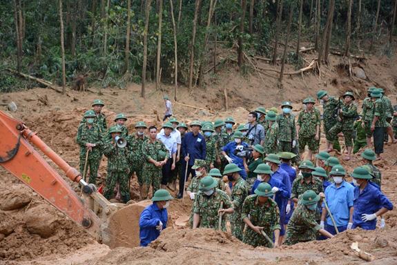Đã tìm thấy 13 thi thể chiến sĩ, cán bộ hi sinh khi cứu nạn thủy điện Rào Trăng 3