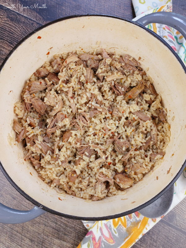 Country-Style Ribs & Rice! An old-school Southern recipe made with rice cooked in a rich stock made from slowly cooked country-style ribs.