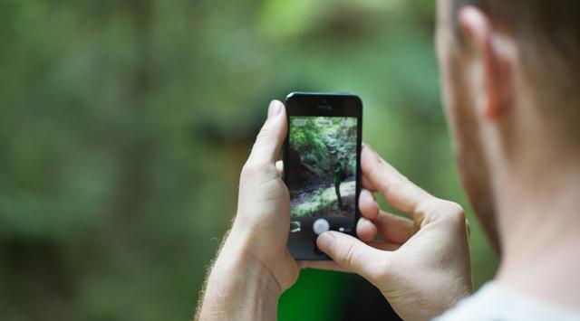 Tips Hasilkan Foto Keren Pakai Smartphone dan Kardus Bekas