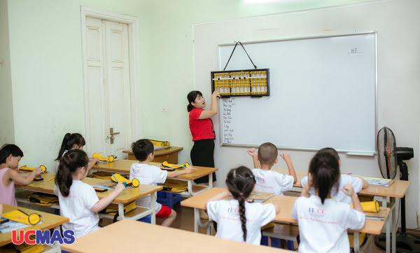 Độ tuổi thích hợp cho trẻ học toán tư duy