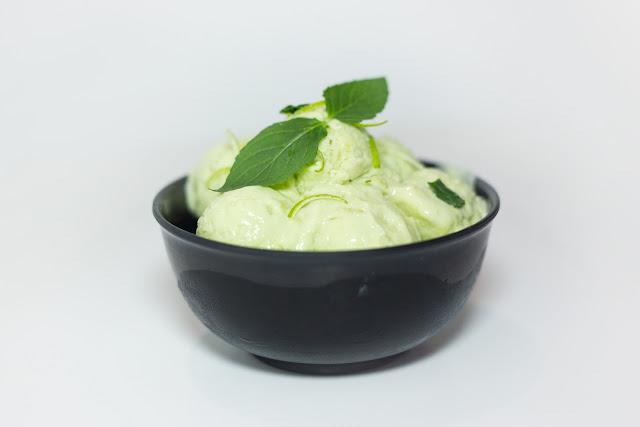 Helado de aguacate y yogur - Más que pasta