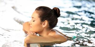 Mungkinkah Seorang Wanita Jadi Hamil Karena Berenang?
