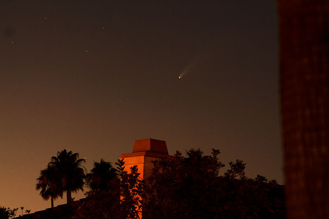 Comet NEOWISE at 9:16 pm, DSLR, 100 mm, 8 second exposure (Source: Palmia Observatory)
