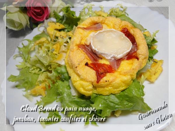 Cloud bread ou pain nuage (pain sans farine) aux tomates confites et chèvre