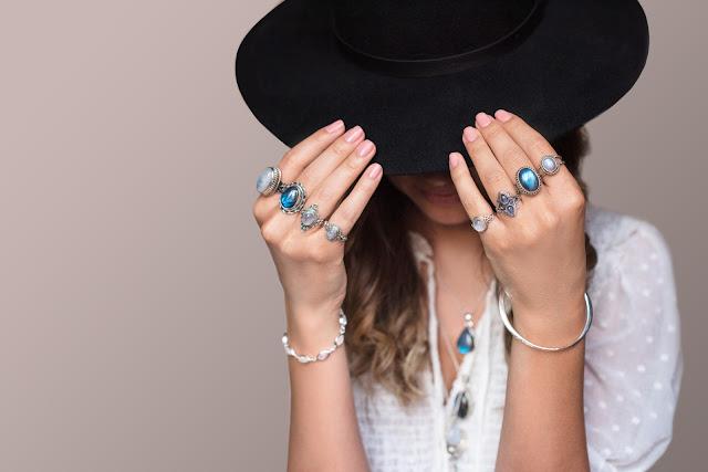 Indira bijuterii