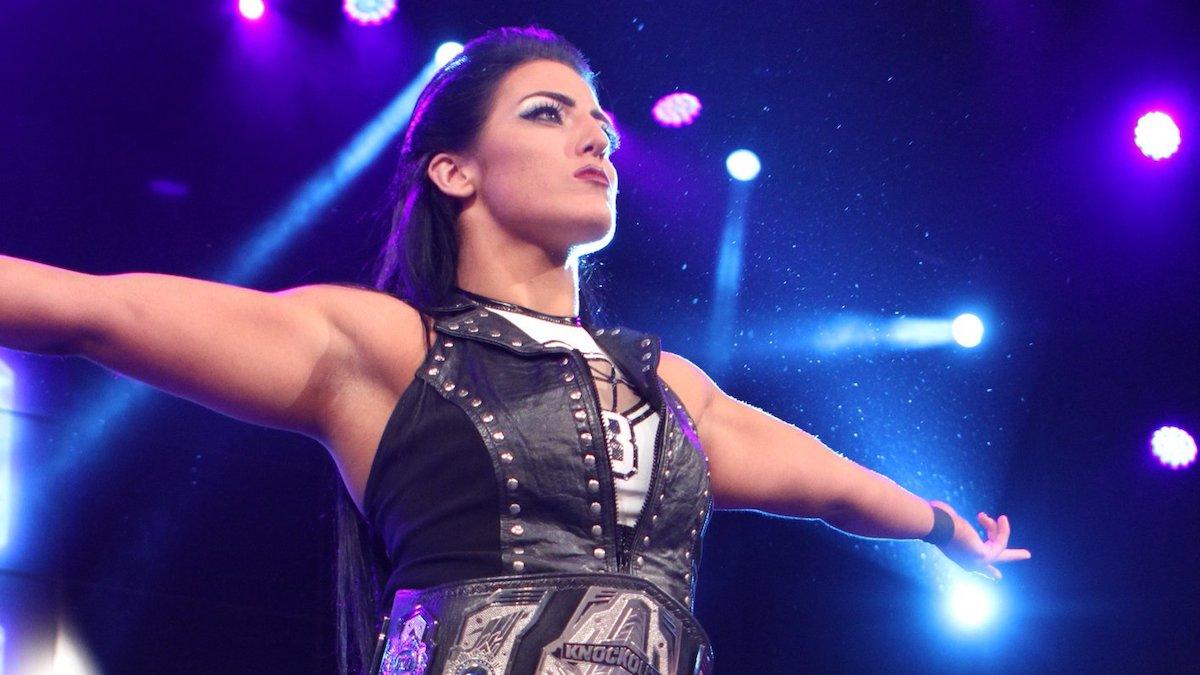 Tessa Blanchard está treinando com Sasha Banks e outros lutadores da WWE