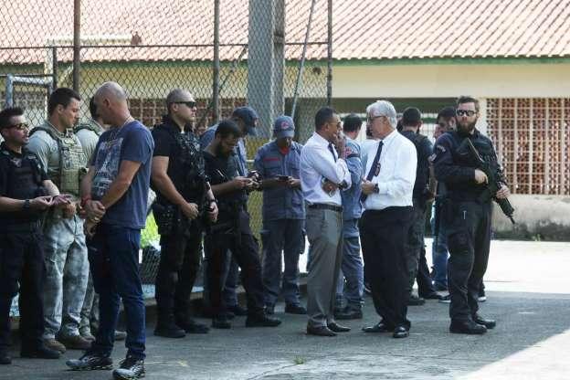 BBUJ47G - Veja fotos do massacre em Suzano