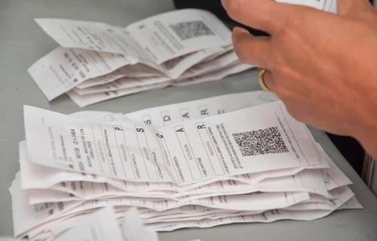 Tras connteo de voto manual de JCE, Gonzalo Castillo mantiene ventaja sobre Leonel Fernández