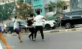 Viral, Anggota Polisi Dikeroyok Oknum TNI