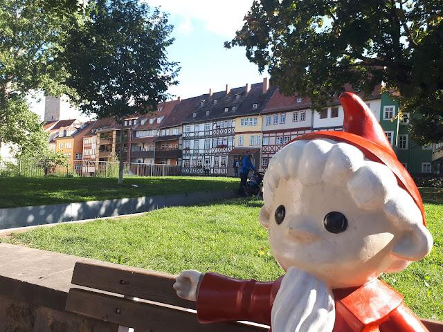 Finding the Kika characters statues in Erfurt