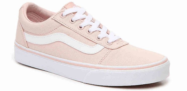 shoes, color, boot, dress, which color, illusion, pink, white, green, grey, mint green, golden, blue, black, photo, image, picture, sneakers, sneaker, gray,