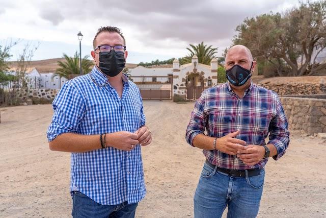 Cabildo de Fuerteventura  da un nuevo paso para mejorar los accesos a la Casa de los Mayores Casillas del Ángel