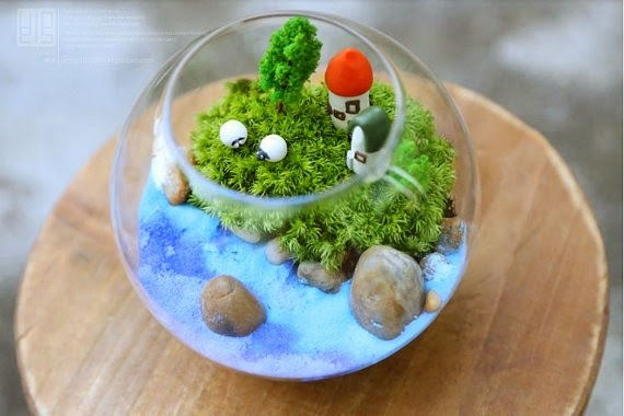glass fish bowl decoration ideas, decorative fish bowl plants Do you have a small glass fish bowls? browse our Cool tips and gallery of decorative fish bowl decorations ideas with plants. rocks, and other fishbowl ideas for decoration.