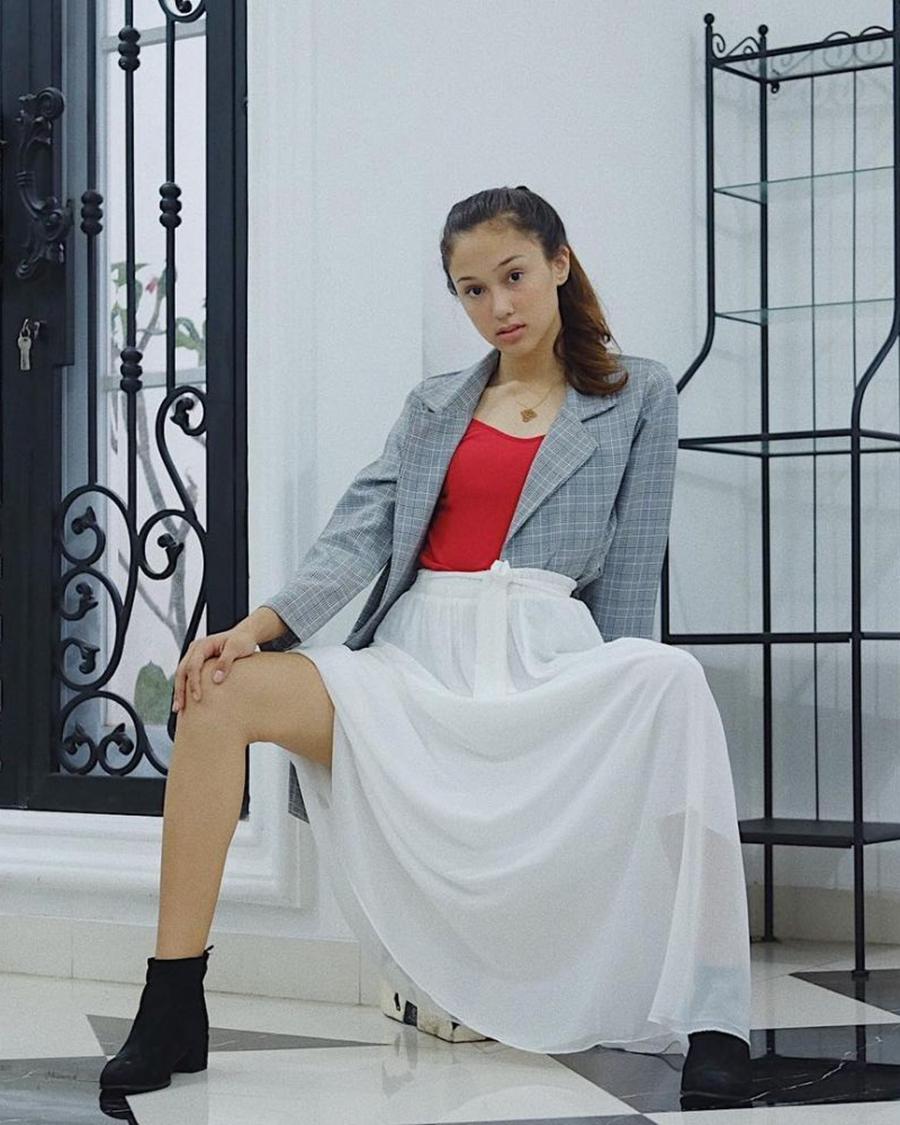 artis remaja seksi dan hot Yasmin Napper