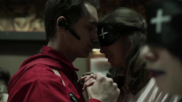 Download Money Heist (Season 1 – 4) Dual Audio {English-Spanish} 720p WeB-DL HD [350MB]