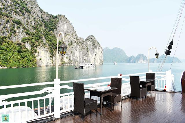 Terraza superior en Bhaya Classic Cruises