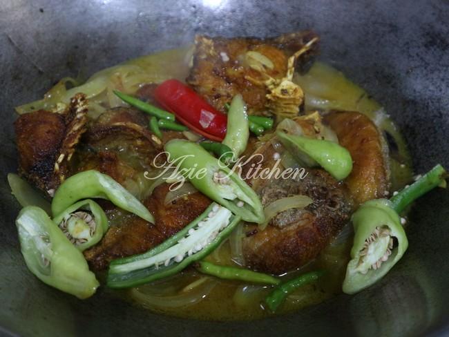 Ikan Masak Cuka Azie Kitchen