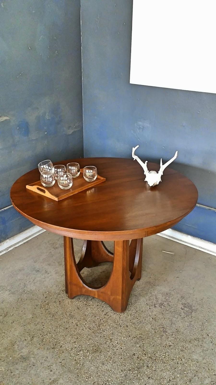 Amazing Vintage Ground Mid Century Broyhill Brasilia Round Dining Uwap Interior Chair Design Uwaporg