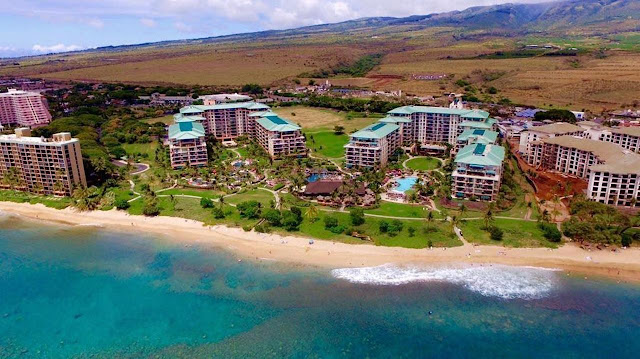 Located on Maui's renowned Kaanapali North Beach, Honua Kai Resort & Spa provides the space you need with luxury studios, one, two and three-bedroom suites. Enjoy the convenience of full gourmet kitchens with Bosch appliances, large lanai's, and in-room washers and dryers.