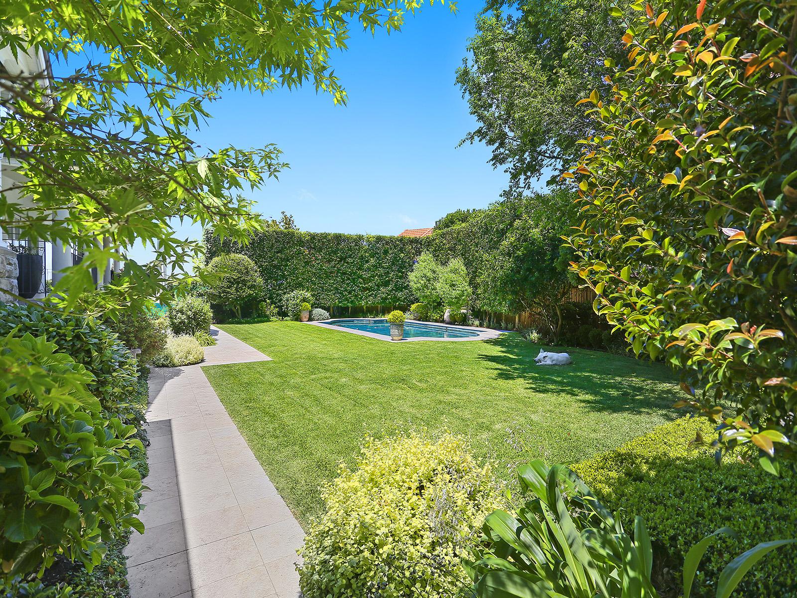 Clifton Gardens Beauty