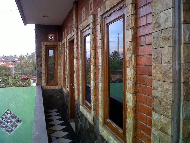 Tips Memilih Rumah Batu Alam Bagi Ekspatriat