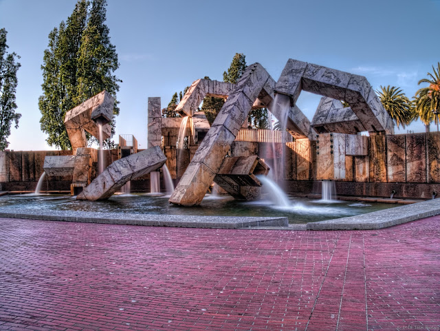 Vaillancourt Fountain HDR