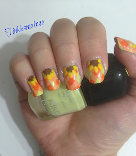 gingham_sunflower_nail_art