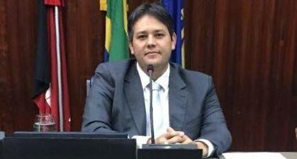 Em nota, Dinaldinho se diz surpreso com denúncia de falsidade ideológica na véspera de seu julgamento