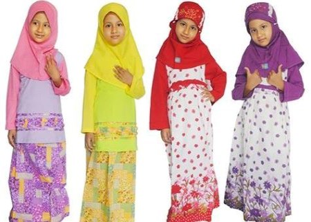 Baju Muslim Anak Poeti untuk anak perempuan