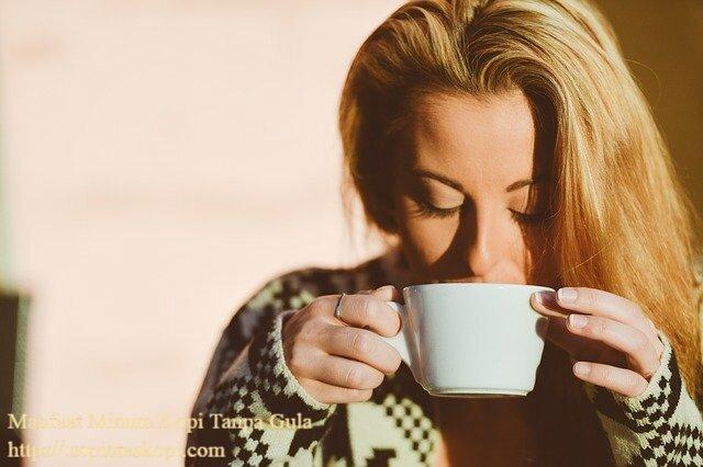 Manfaat Minum Kopi Tanpa Gula, manfaat kopi pahit tanpa gula untuk diet, bahaya minum kopi tanpa gula, manfaat minum kopi tanpa gula untuk diet, manfaat kopi pahit untuk wanita, minum kopi tanpa gula saat perut kosong