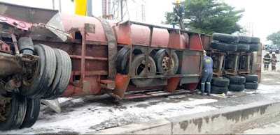 A yet-to-be-identified woman lost her life on Friday when a tanker crashed around the Nigerian Army Signal Barracks in the Mile 2 area of Lagos State.