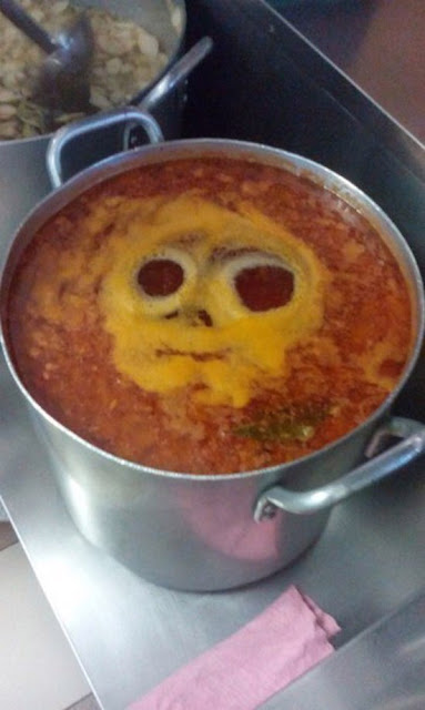 Kochen lustig - Suppe mit Gesicht