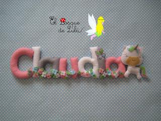 nombre-fieltro-claudia-elbosquedelulu-hechoamanoparati-felt-feltro-name-banner-babyroom-decoración-infantil-regalo-nacimiento-personalizado