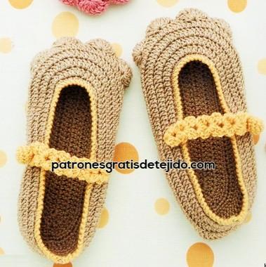 como-tejer-zapatos-con-patitas-de-gato-crochet