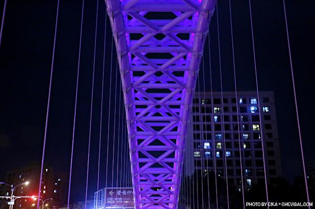 MG 0686 - 台中景點│橫跨旱溪的紫藍色彩海天橋,夜裡不可錯過的迷人紫調!