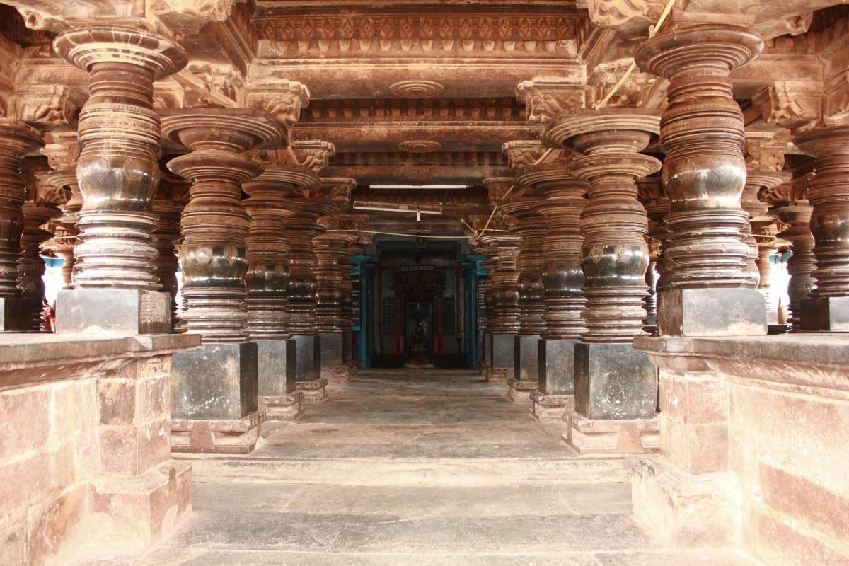 Ancient Stone Pillars : Journeys across karnataka shambulingesvara temple kundgol