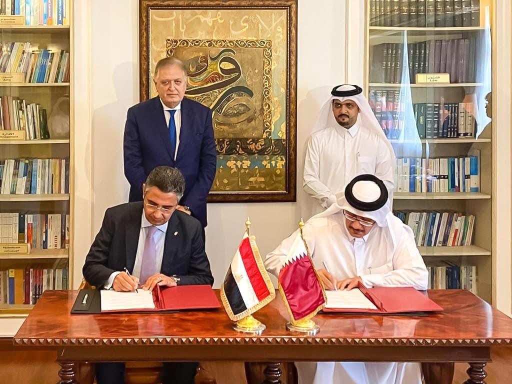 البريد يوقع اتفاقا مع نظيره القطري لتوفير خدمة جديدة للمصريين في قطر