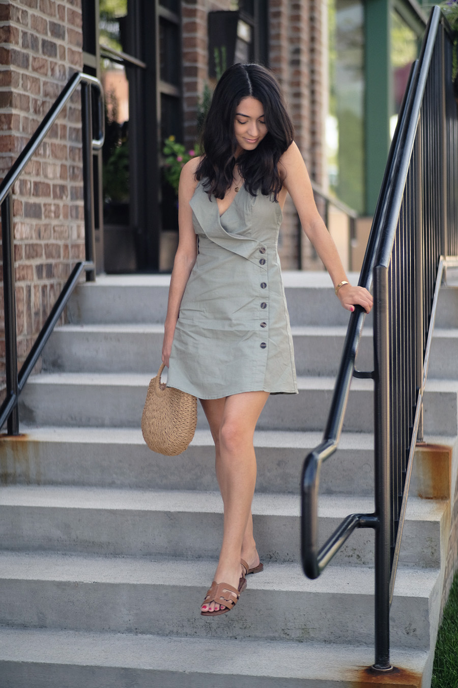 olive button linen dress aved by the dress boutique | how to style a linen dress